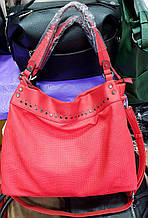 Женская красная сумка на плечо 35*30 см
