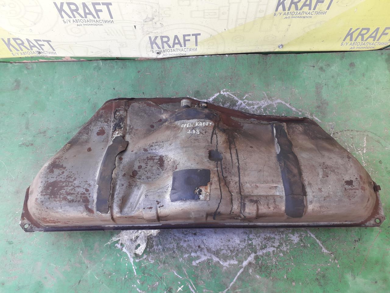 Б/у паливний бак для Opel Kadett 1.3 B
