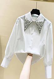 Рубашка женская белая и черная с воротником жемчуг