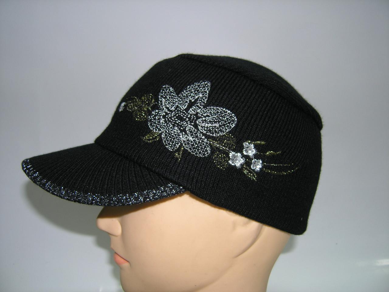 Вязаная кепка женская