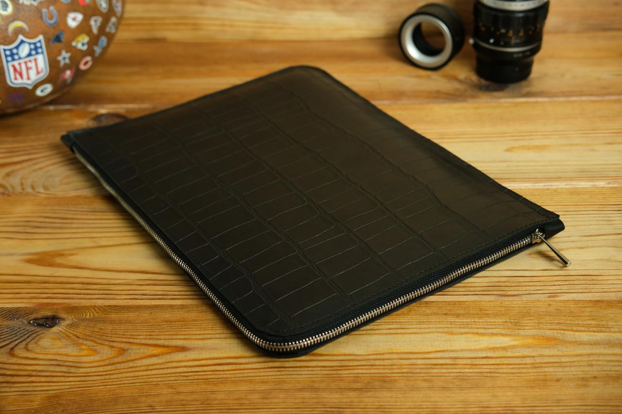 Шкіряний чохол для MacBook з повстяною підкладкою, на блискавці, Шкіра Італійський краст, колір Чорний, тиснення №2