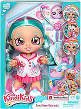 """Лялька Кінді Кидс доктор Сінді Попс - Кінді Kids """"Fun Time Friends"""" Dr Cindy Pops - Moose 50036"""