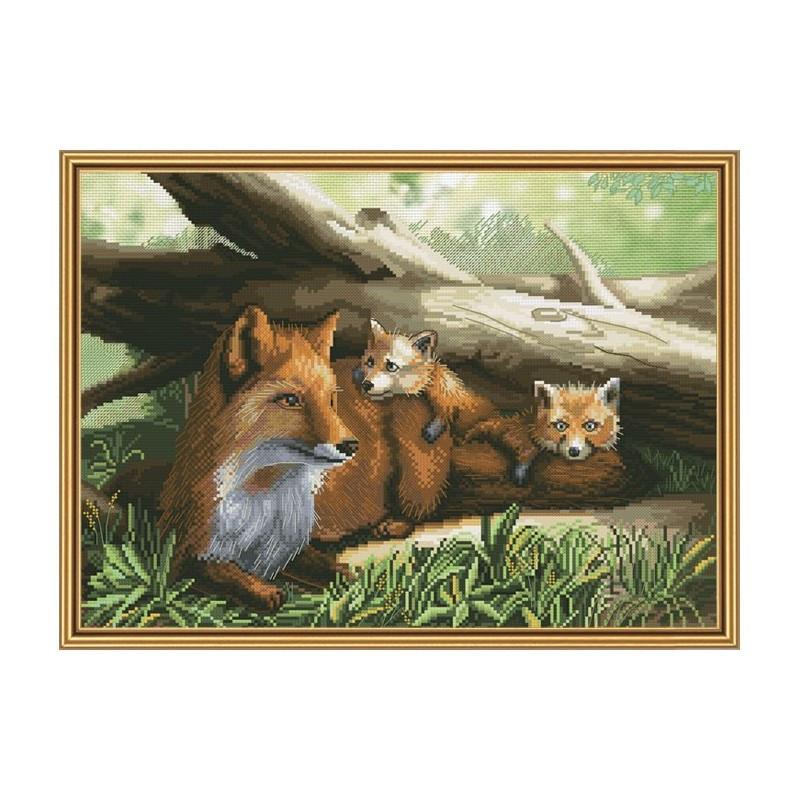 """Набір для вишивки нитками на канві з фоновим зображенням """"Руді сімейство"""""""
