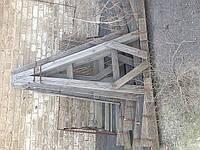 Продам деревянные А-пирамиды под ящики со стеклом бу, высота 2.2м