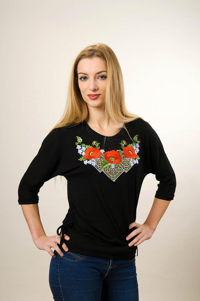 Молодежная вышитая футболка с рукавом 3/4 черного цвета с цветочным орнаментом «Чудо маки»