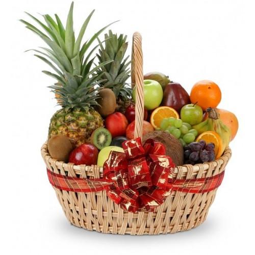 Кошик фруктовий подарунковий вітальний Вітаміни з ананасами бананами і яблуками ківі виноградом