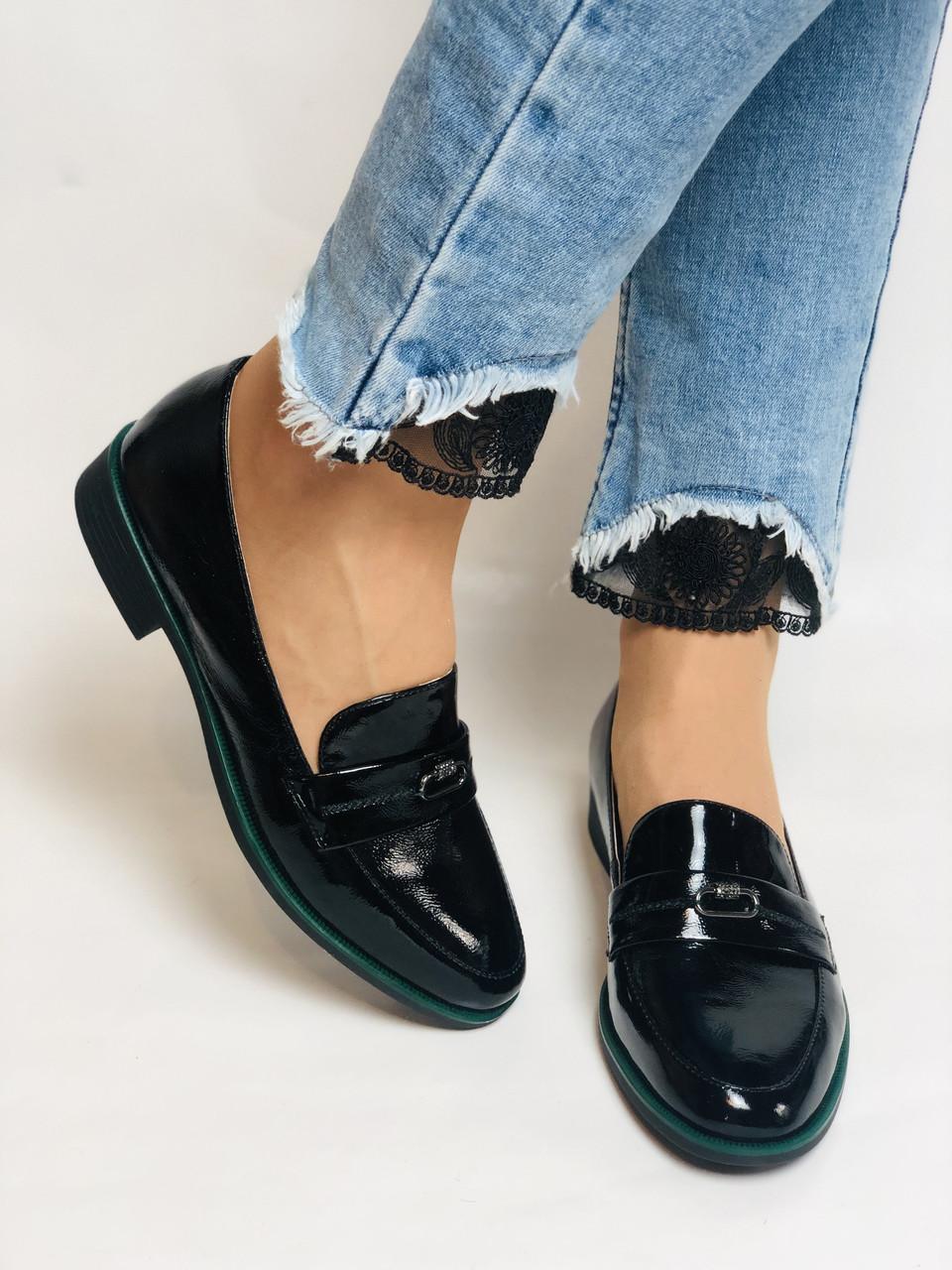 Molka. Жіночі туфлі-лофери. Чорні з натуральної лакованої шкіри. Розмір 36,37,38,39,40,41