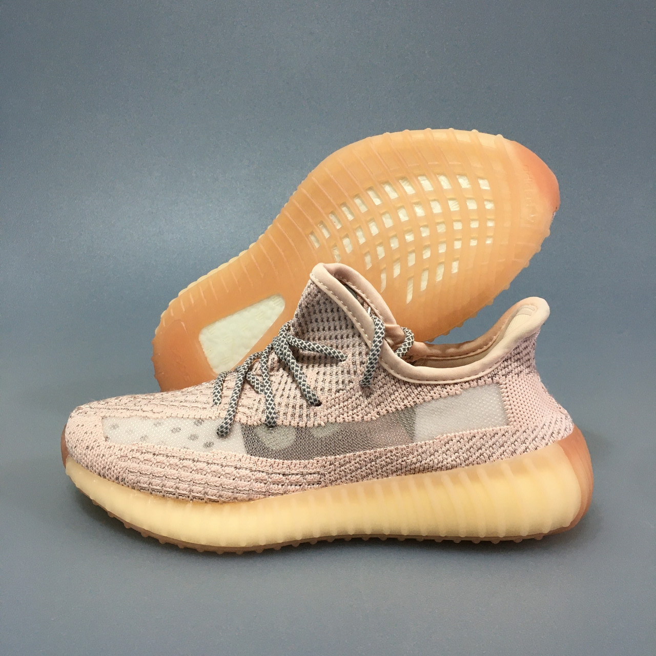 Супермодные кроссовки Adidas Yeezy boost v2