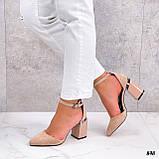 Жіночі туфлі на невисокому стійкому каблуці з ремінцем на кісточці бежеві, фото 3