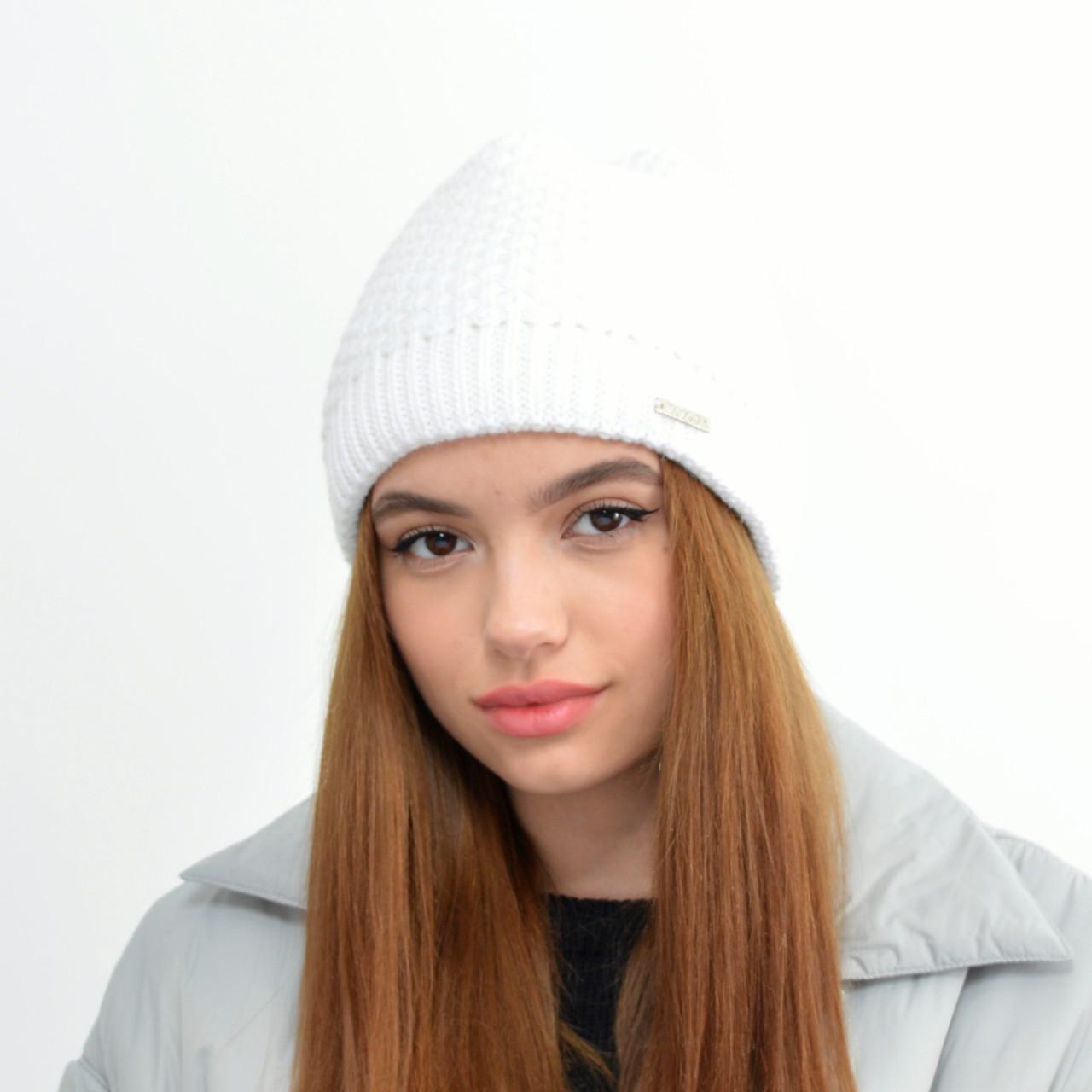 Женская шапка veilo на флисе 5503 молочный