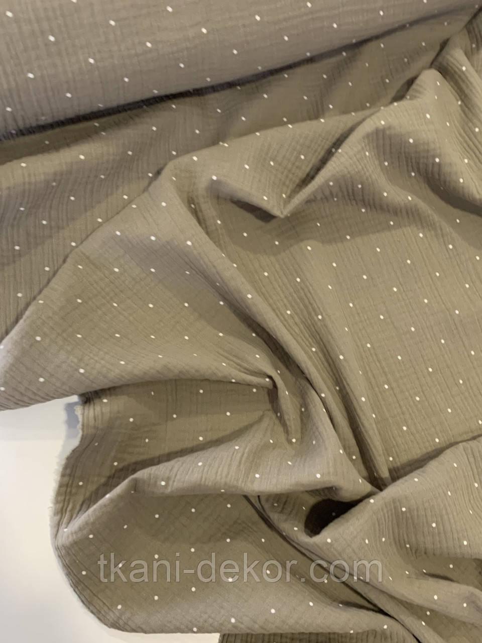Муслин (хлопковая ткань) горошек белый на зелено-коричневом