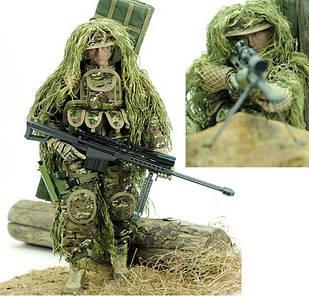 Снайпер з бойової екіпіровкою