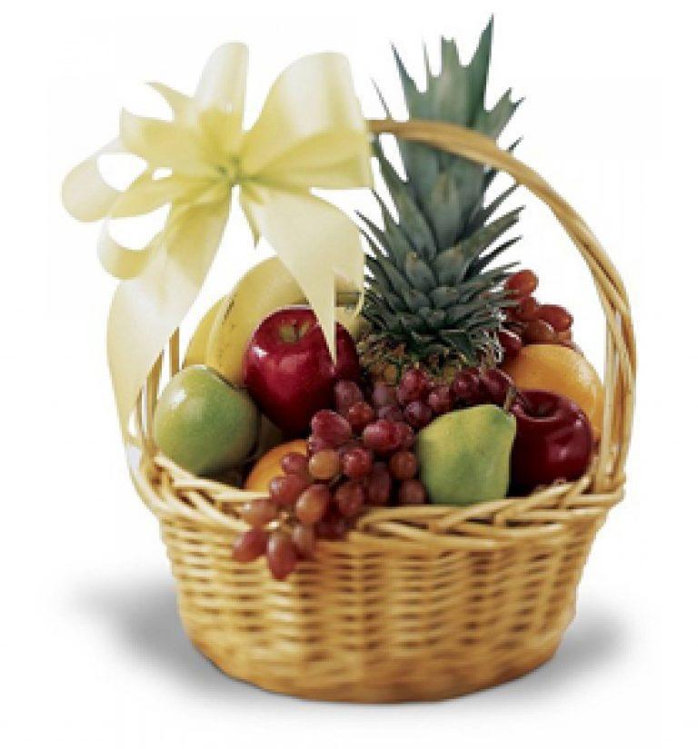 Кошик фруктовий подарунковий вітальний їстівний з яблуками бананами виноградом грушами