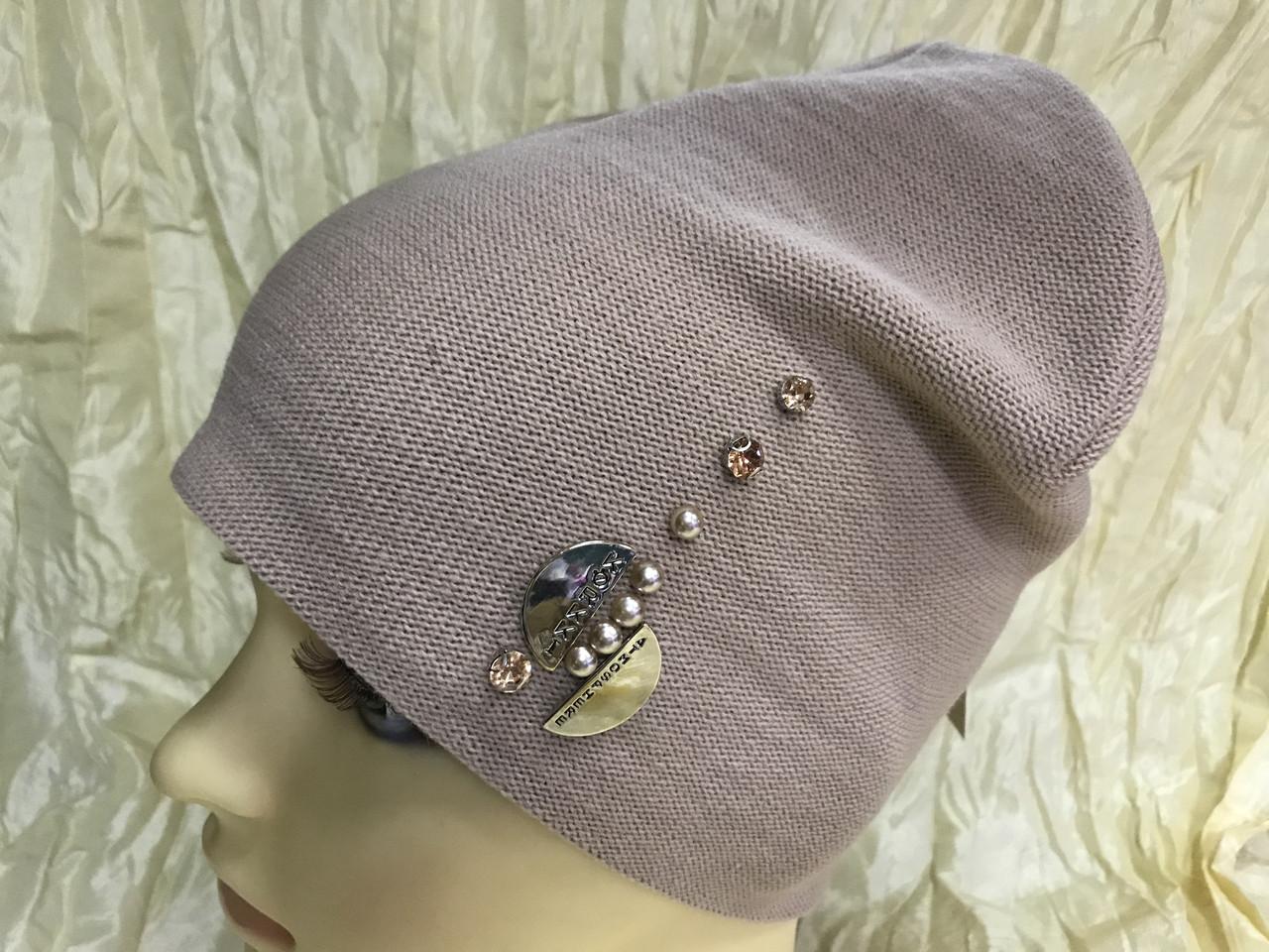 Жіноча шапочка прикрашена камінням 54-57 колір пудра