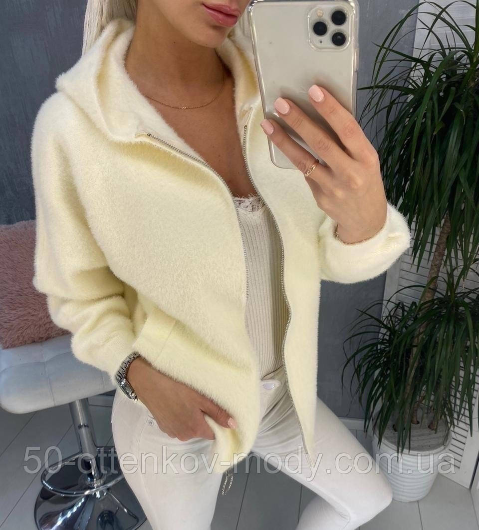 Жіноча стильна куртка альпака чорна молочна