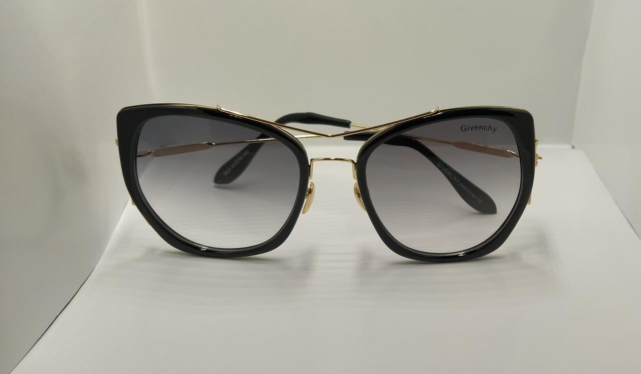 Сонцезахисні окуляри 7031