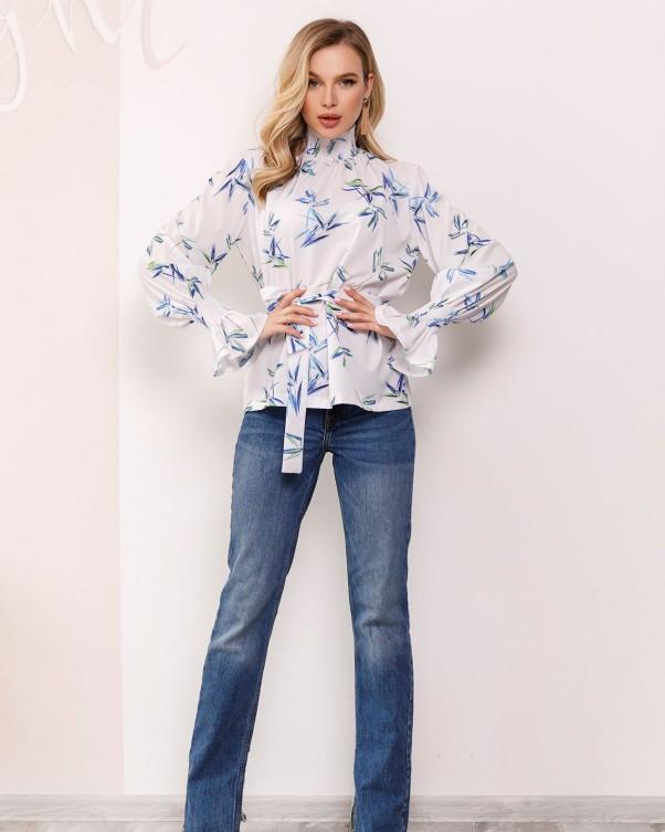 Белая принтованная блуза с жаткой