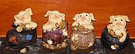 Копилка свинья (в башмаке, бочке, корзине, шине) (маленькая) (2 вида)