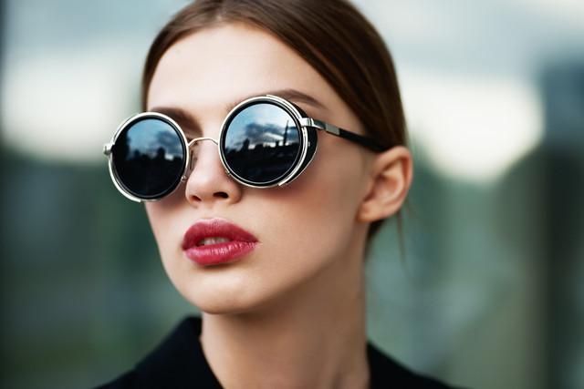Сонцезахисні окуляри для жінок