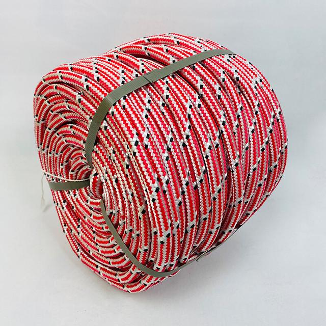 Плетеный морской фал с сердечником. Фото.