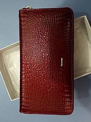 Кошелек женский кожаный красный лаковый на молнии барсетка клатч F. Salfeite 2548L-44
