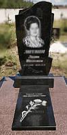 Памятник с надгробной плитой 1