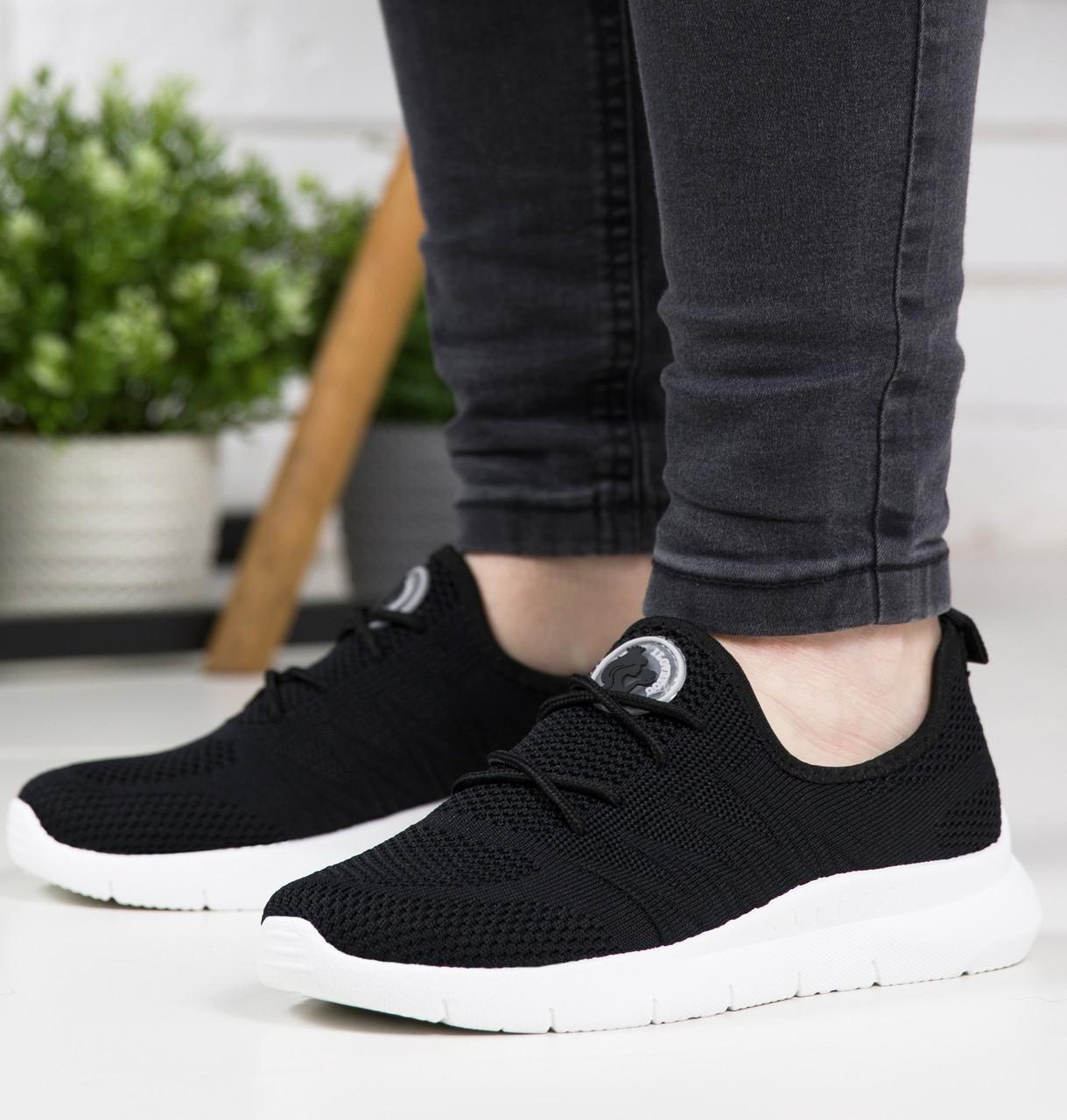Жіночі кросівки чорні сітка на літо