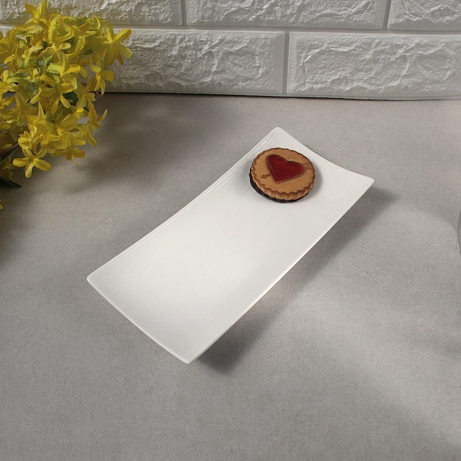 Тарелка прямоугольная с тиснением фарфоровая 9″ HLS Extra white 110х235 мм. (W0135)