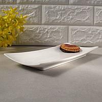 Тарелка прямоугольная с тиснением фарфоровая 11″ HLS Extra white 140х285 мм. (W0136)
