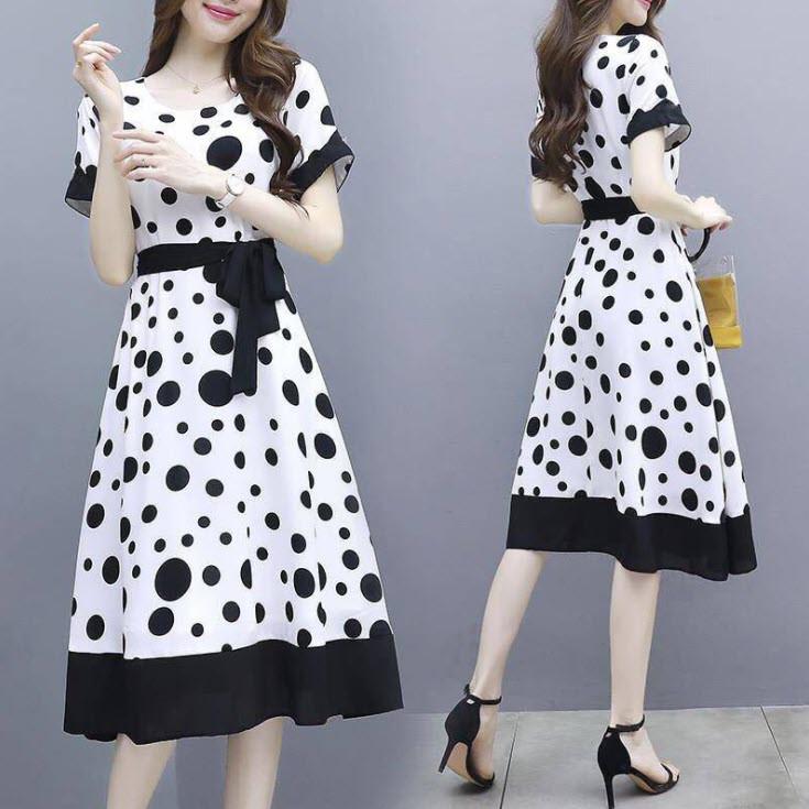 Стильное свободное платье с красивым принтом