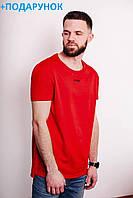 Яркая мужская футболка красного цвета из 100% хлопка