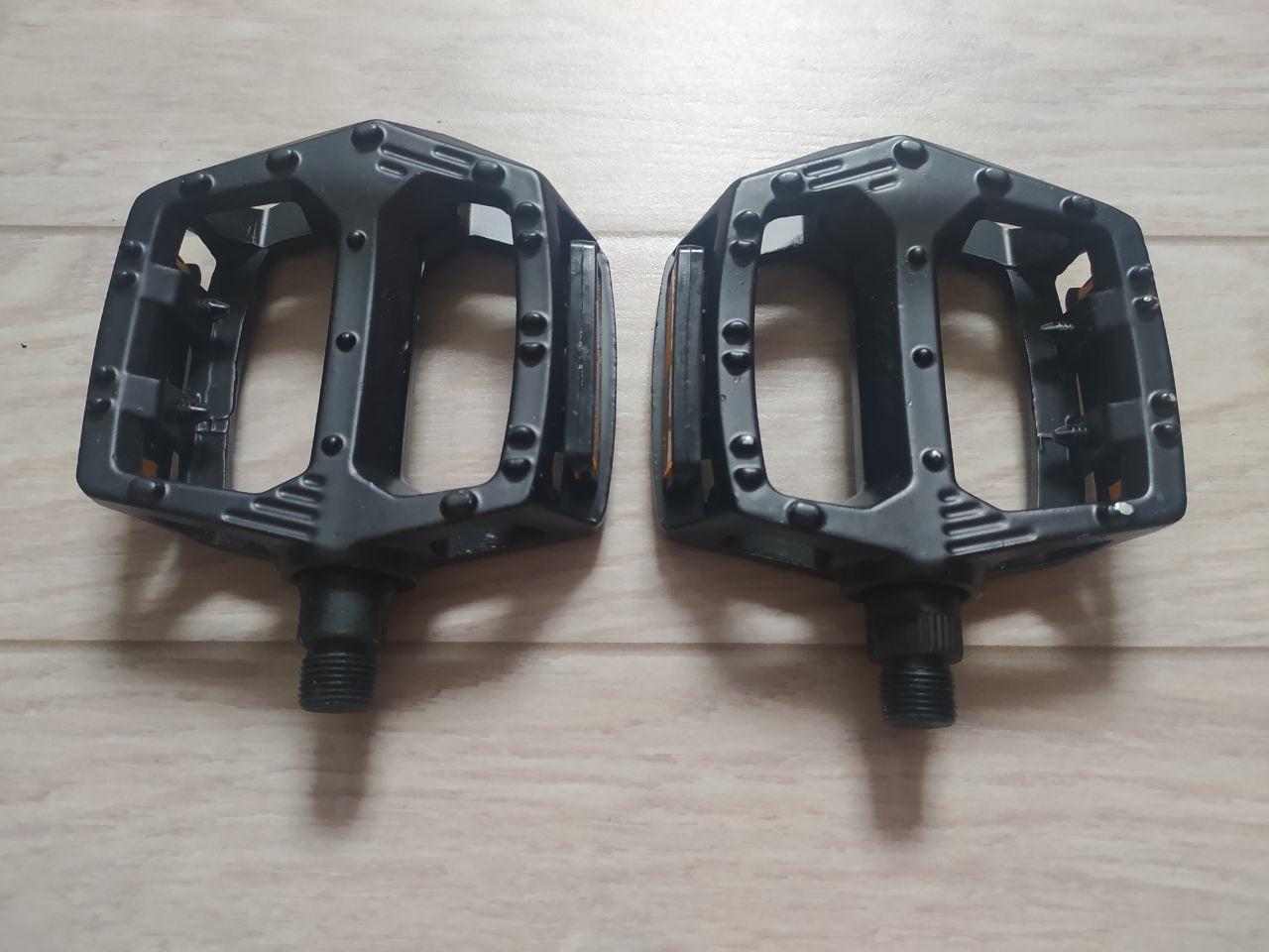 Велосипедные алюминиевые педали широкие, черные (топталки, велопедали)
