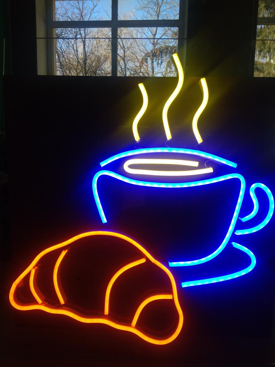 Виготовлення світлодіодних вивісок з гнучкого неону для кафе.