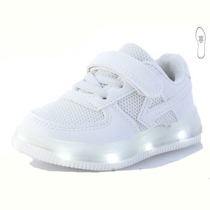 Кросівки світяться з мигалками. Розміри 23.