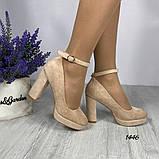 Жіночі туфлі з ремінцем на кісточці на зручному стійкому каблуці 11 см бежеві червоні, фото 5