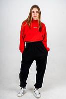 Костюм женский оверсайз теплый красный короткий свитшот с черными брюками