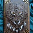 """Ежедневник А5 формата в кожаной обложке c художественным объемным тиснением ручной работы """"Дух волка"""", фото 2"""