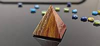 Піраміда з натурального каменю Онікс