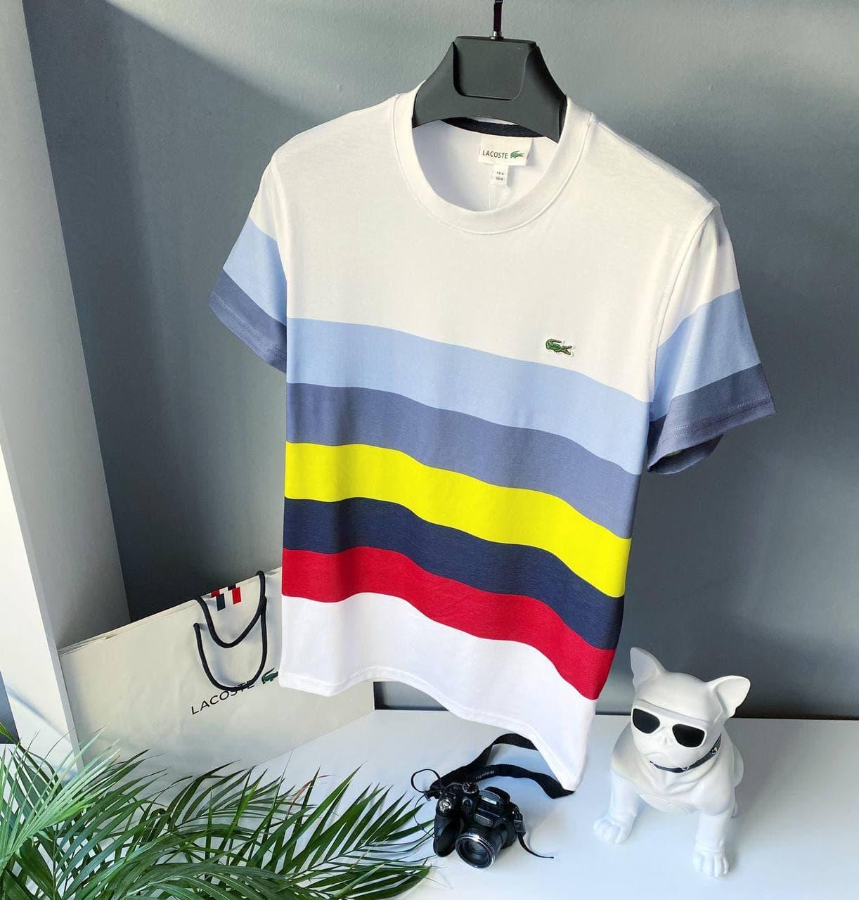 Мужская футболка Lacoste белого цвета с цветными полосами