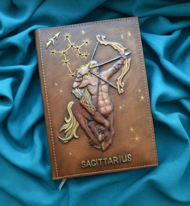 """Ежедневник А5 формата в кожаной обложке c художественным объемным тиснением ручной работы """"Стрелец"""""""