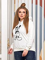 Женский стильный батник с мультяшным рисунком и капюшоном Батал, фото 1