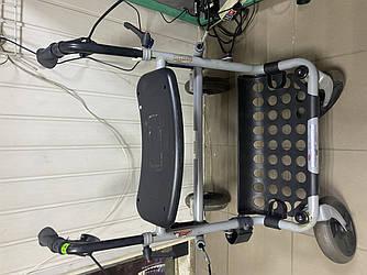 Якісні ходунки крокуючі для людей з обмеженими можливостями ІТ 672