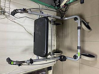Якісні ходунки на колесах для людей з обмеженими можливостями з великим сидінням Німеччина IT673
