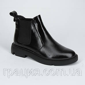 Стильні шкіряні черевики на байку