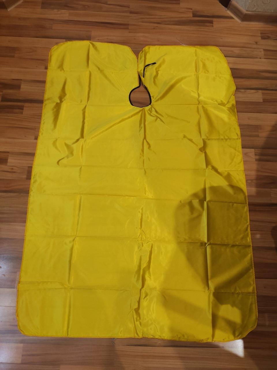 Желтая детская парикмахерская накидка пеньюар для клиента 135х95 см