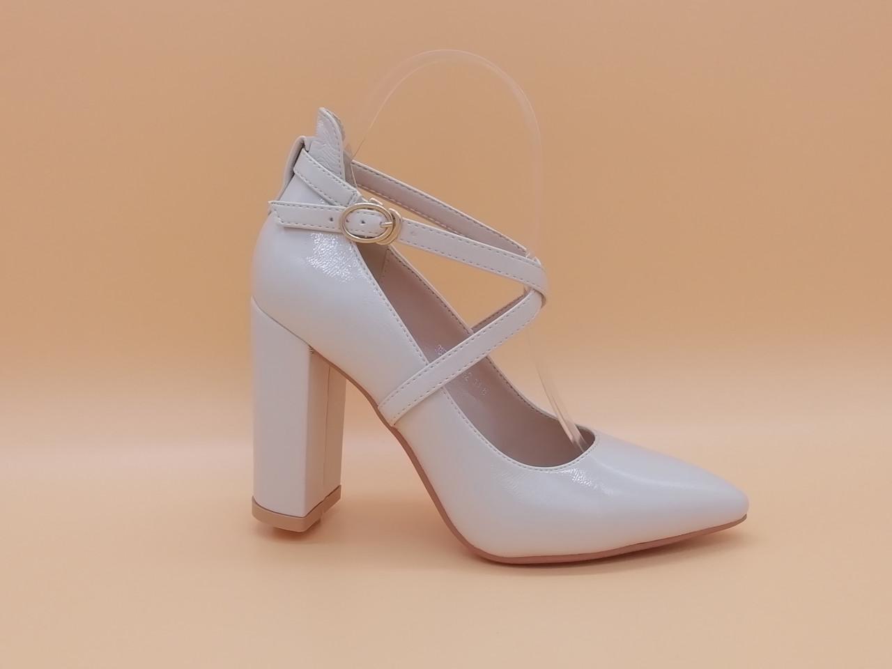 Туфлі на підборах. Маленькі ( 33 - 35 ) розміри.