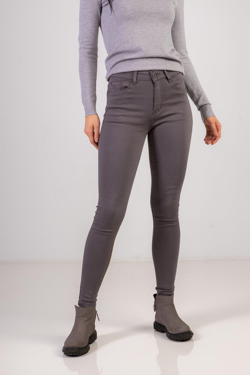 Модные пепельные джинсы-скинни со средней посадкой в размерах: S, M, L, XL