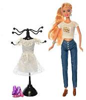 Лялька з платтям
