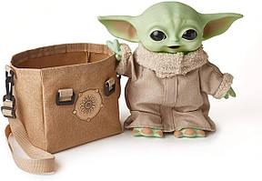 Интерактивная игрушка малыш Йода 28 см в сумочке Hasbro Star Wars Mandalorian The Child