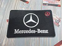 Антискользящий коврик на панель авто Mercedes-Benz (Мерседес-Бенц)